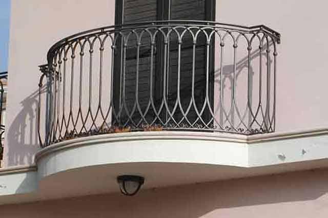 Perdite d 39 acqua sul balcone quali possono essere le cause - Rivestimenti balconi esterni ...